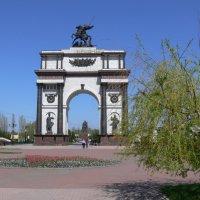 Триумфальная арка в Курске. :: Татьяна Черняева