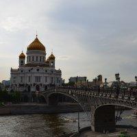 вид на храм :: Галина R...
