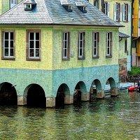 дом над тихими водами :: Александр Корчемный
