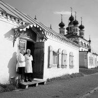 В ожидании гостей (г.В. - Устюг) :: Валерий Талашов