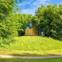 Варламо-Хутынский монастырь. Часовня прп Варлаама, основателя монастыря в 12 в. :: Евгений Никифоров