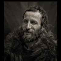 Портрет человека в шубе :: Nn semonov_nn
