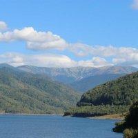 Озеро в горах :: Сергей Макаров