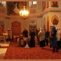 В храме Георгия-Победоносца :: Виктор Марченко