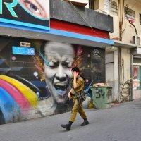По улице Тель-Авива :: Sergey Demyanchuk