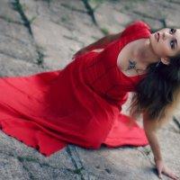 Angel in red :: Alena Kramarenko