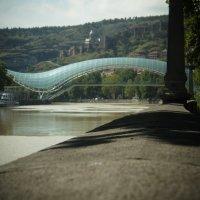 Пешеходный мост через Куру :: Виктория Мароти