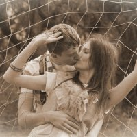 Любовь сквозь сетку :: Анастасия Митрофанова