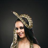 Укротительница змей :: Оксана Гуненко