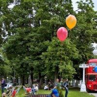 Откуда над Англией могли появляться воздушные шары... :: Александр Логунов