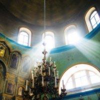В храме :: Андрей Грибов