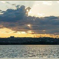 Тучи над городом... :: Юрий Муханов