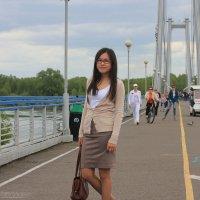 На подвесном мосту :: Юрий Столеру