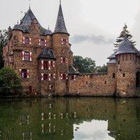 Замок на воде :: Witalij Loewin