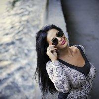 девушка в очках... :: Батик Табуев