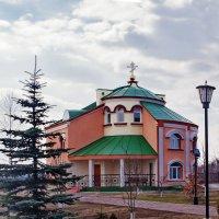 храм в п. Красный Камень, г. Киселевск :: Александр Поборчий