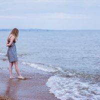На берегу... :: Александр Шмелёв