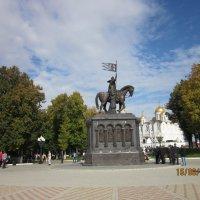 Успенский собор и Памятник святителям :: Галина