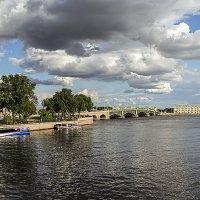 Облачный день в Петербурге :: Valerii Ivanov