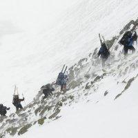 Подъем на перевал :: Максим Зайцев