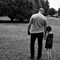 """Прогулка отца с дочерью."" :: Paulina Geseltin"