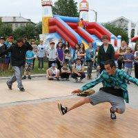 Уличный танец :: Валерий Никитин