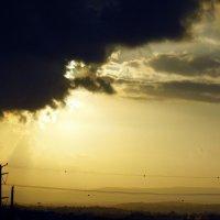 Солнце за тучей. :: Валерьян