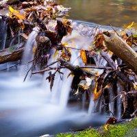 Естественный водопад :: Илья Данилюк