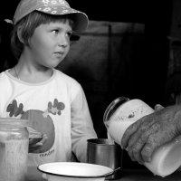 Молоко для внучки :: Вера Шамраева