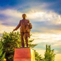 Памятник Сатпаеву :: Даурен Ибагулов