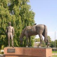 Памятник поэту К.Н.Батюшкову :: Galina Leskova