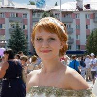 Парад невест в Брянске :: Елена Миронова
