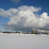 Облака над деревней :: Олег Романенко