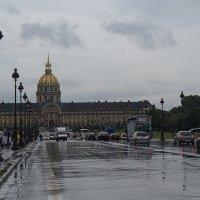 в Париже тоже бывают дожди... :: igor G.