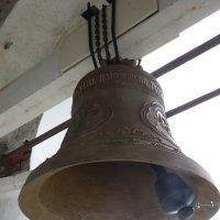 Колокол  Ризоположенского монастыря  в  Суздале :: Galina Leskova