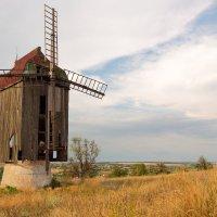 Старая мельница :: Владимир Киселев