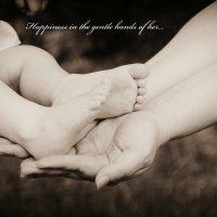 счастье в нежных маминых руках :: Марья CheKos