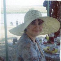 Дама в шляпке. :: Владимир Титов