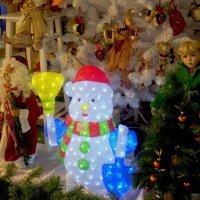 Новогодние витрины* :: Наталия Зыбайло
