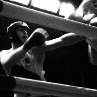 Бокс 9 :: Леонид Ефремов