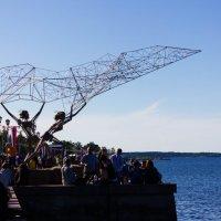 памятник рыбакам на набережной :: Natasha Chapka