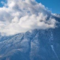Зима, уходит в горы... :: Алексей Качурин