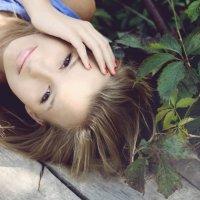 *** :: Roxie Myshkovska