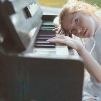 Руслан Исинев - piano