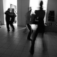 танец 3 :: Владимир Хроменков