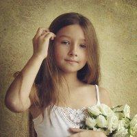 Девочка с белым букетом :: Елена Ященко