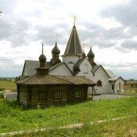 Старая и новая купальни около святого источника в Пощупове :: Александр Буянов