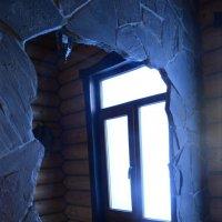 Окно в другой мир.. :: Татьяна Кретова