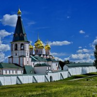 У стен Иверского мужского монастыря. Валдай. :: Виталий Половинко