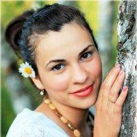 Девушка с берёзой :: Наталия Снигирёва